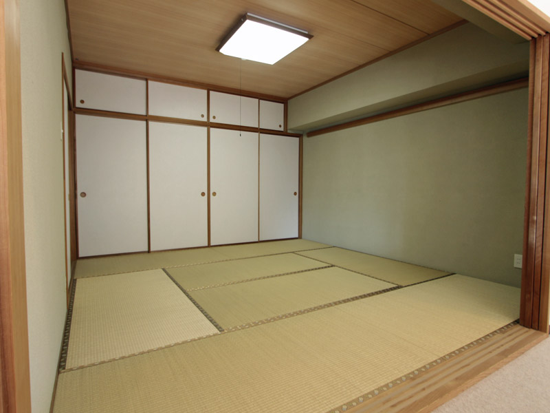 押入れ付き8畳の和室