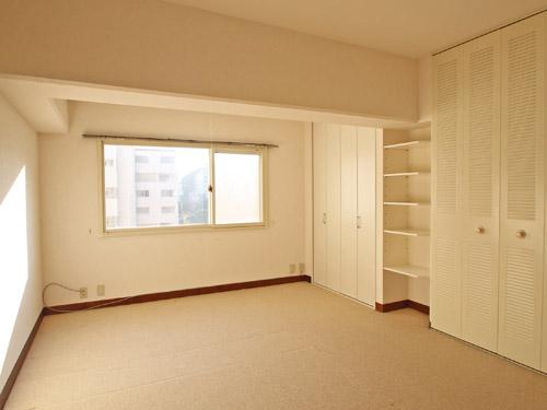 約10.9畳の洋室