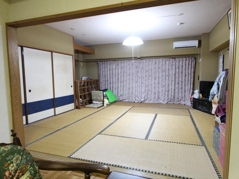 窓・押入れの大きい和室