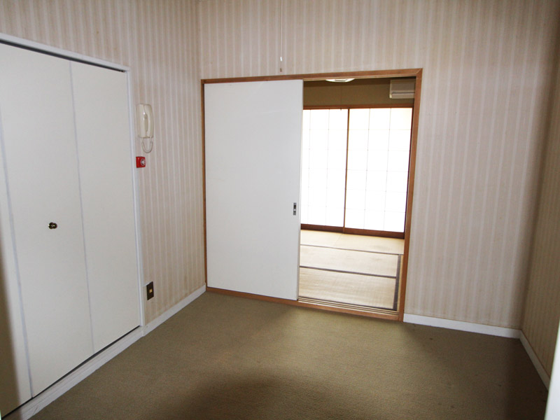 約4.4畳の洋室