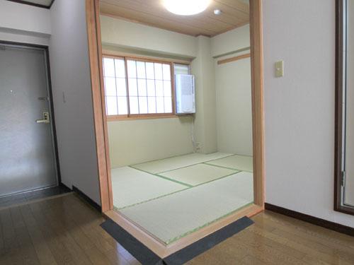 玄関横の和室4.5畳