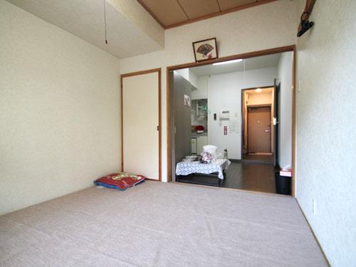 収納付き6畳の和室