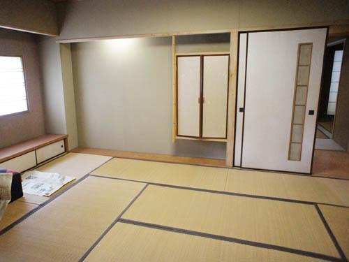 広縁へ続く和室