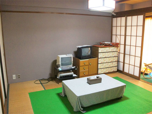 収納たっぷり和室8畳広縁付