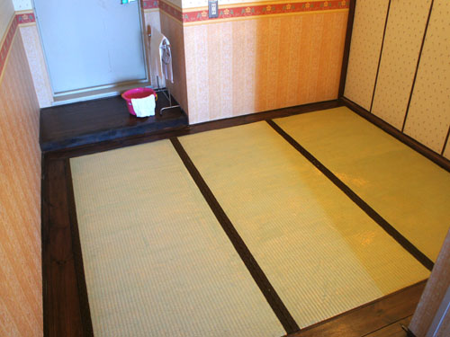 下階の畳スペース