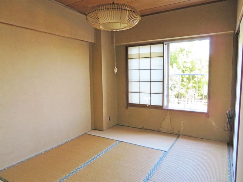 もう一つの和室にも窓があります。