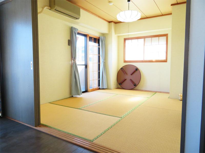 和室6畳 南向きで明るいです。