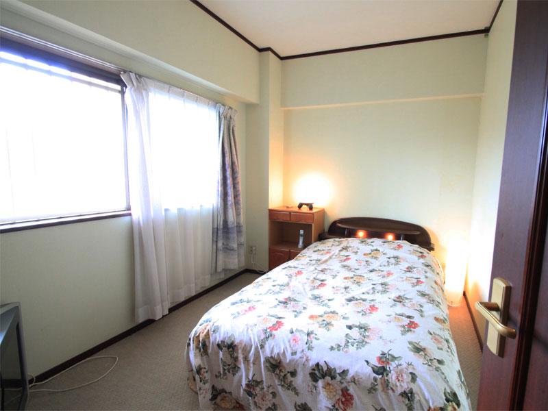 洋室6畳 窓あり明るいです
