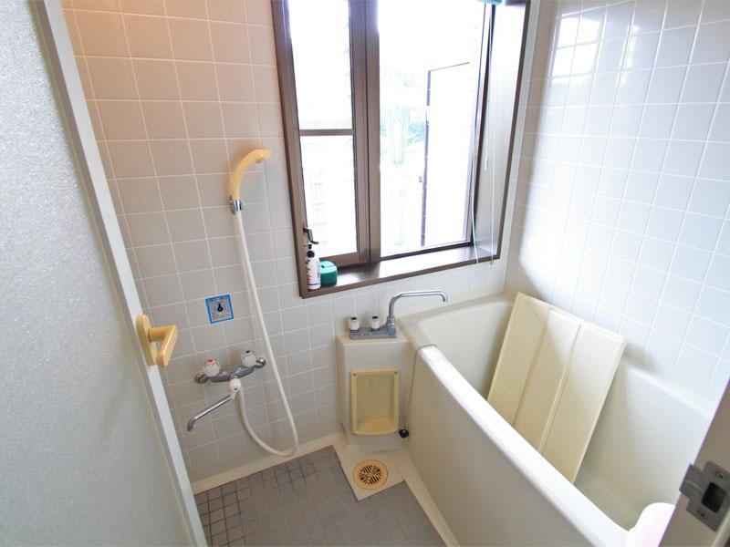 浴室にも窓