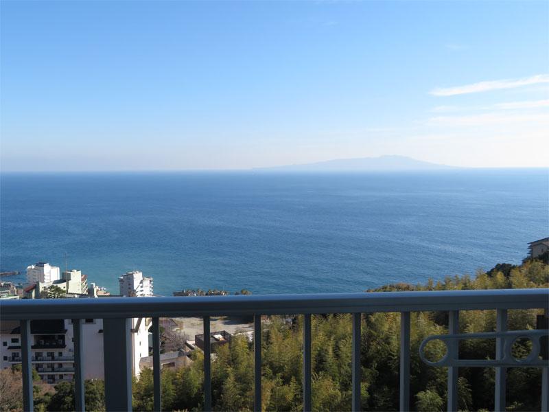 バルコニーからはこの眺望です