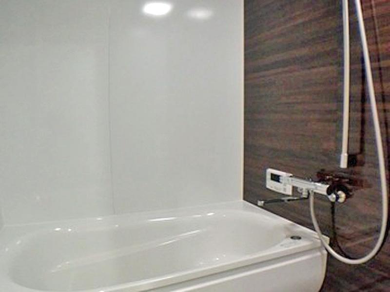 使い勝手がよく清掃も楽なTOTOのバスルームです