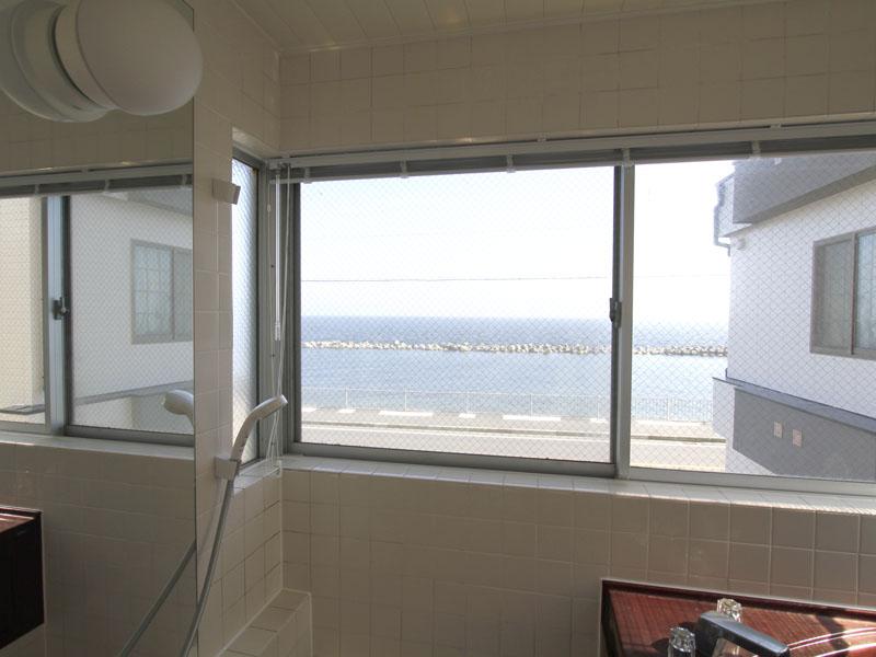 浴室から海が見渡せます
