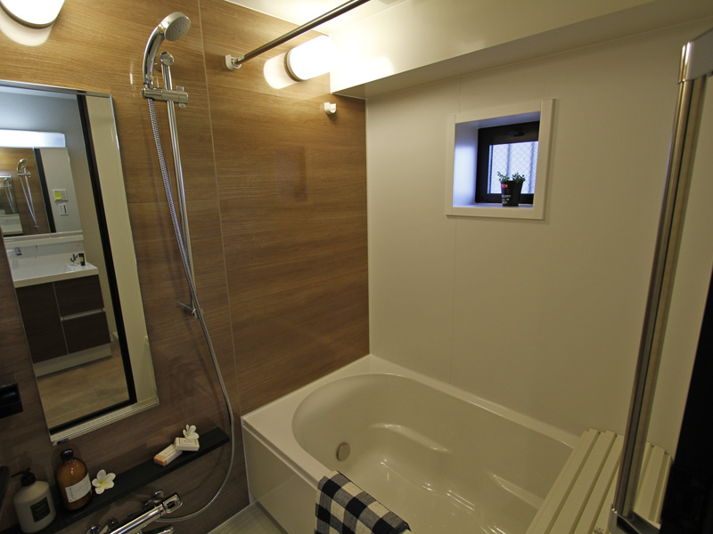 乾燥機・追焚機能付きの浴室