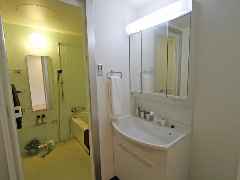 洗面化粧台・浴室