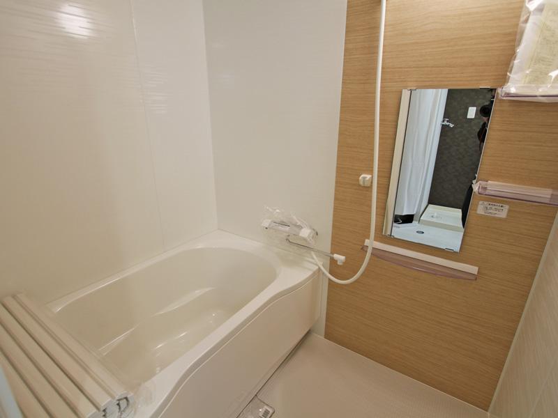 新規ユニットバスの浴室