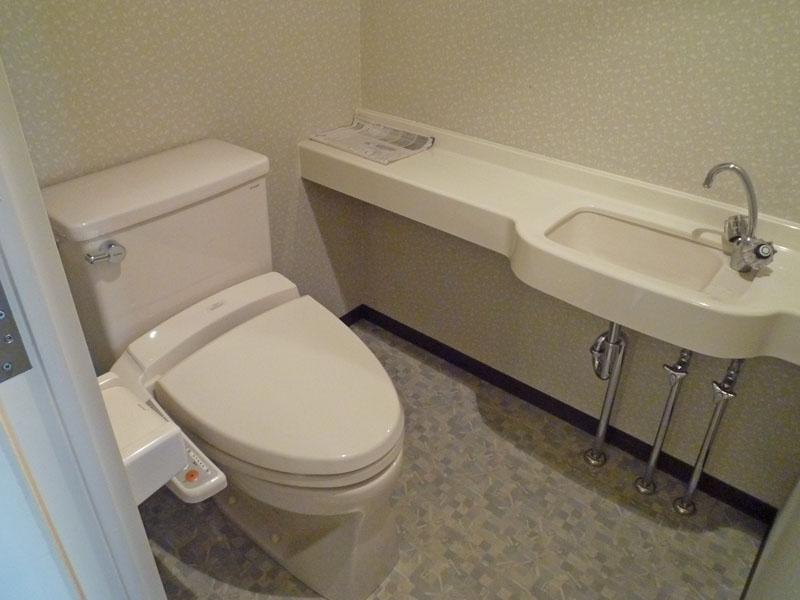 トイレ 手洗いカウンター付き
