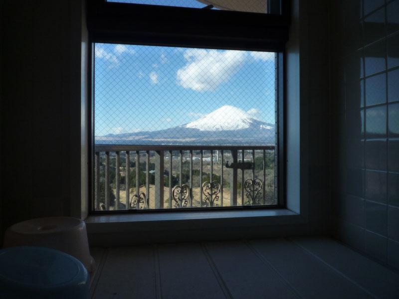 浴室からも富士山を望めます