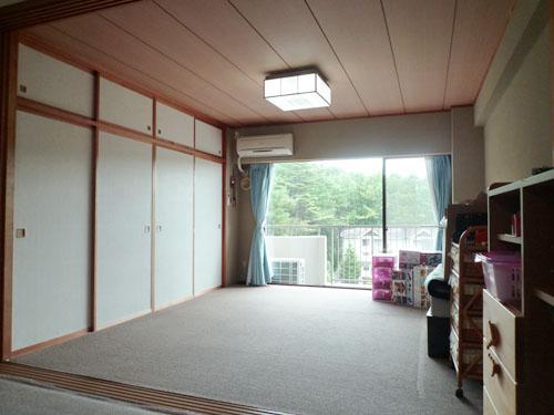 南向きで明るい8畳の和室