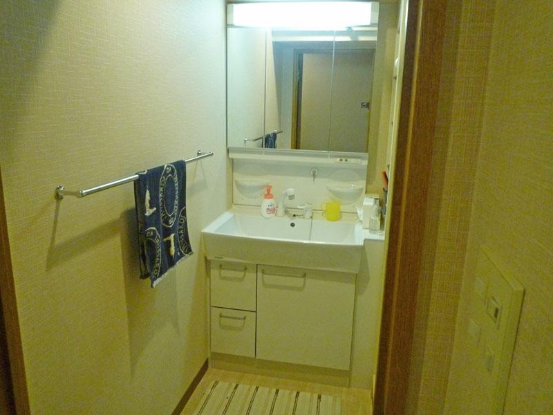 洗面台も交換済みです