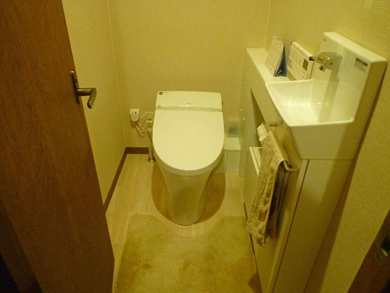 トイレ タンクレスに交換
