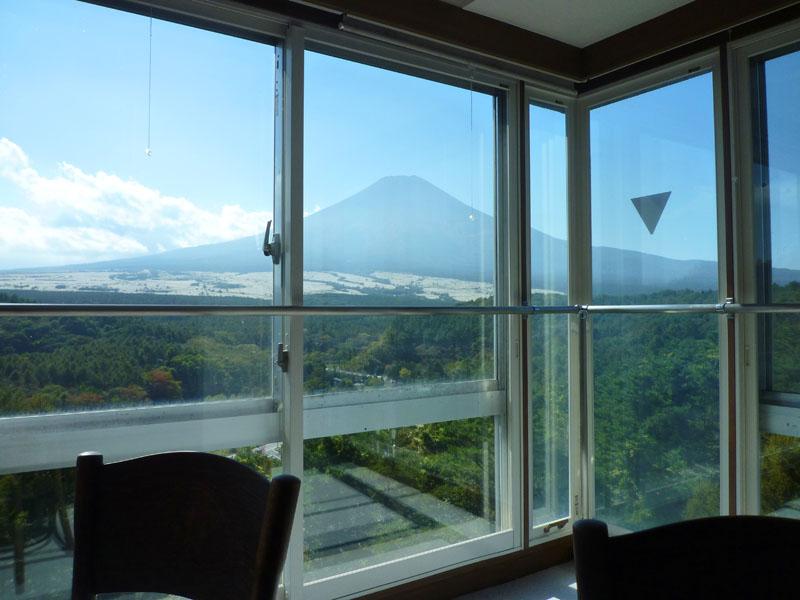 お部屋から富士山を一望できます