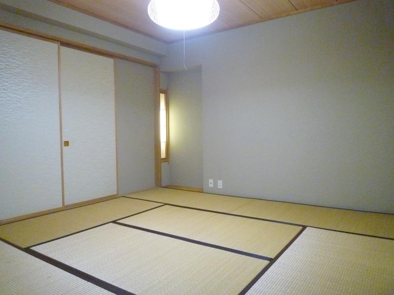 押入・床の間付きの和室
