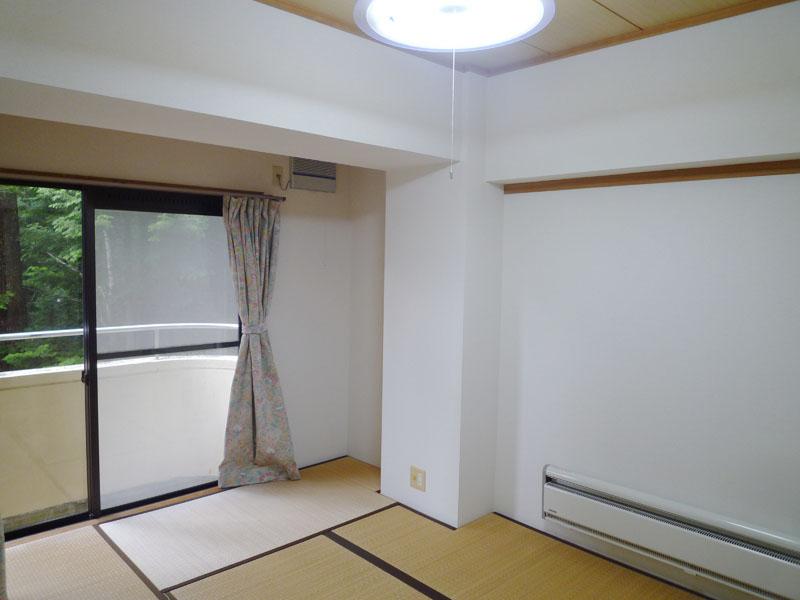 リビングの隣の和室