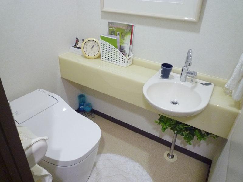 手洗い付きのトイレ