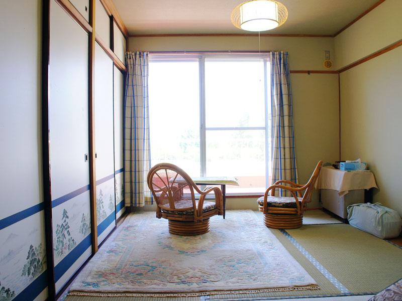 眺望の良い和室 収納付き