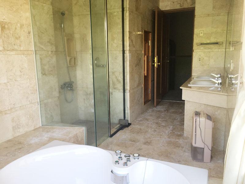 シャワールーム・洗面・サウナ