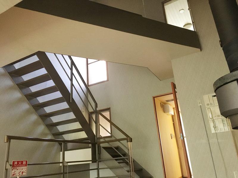 室内の階段・廊下部分