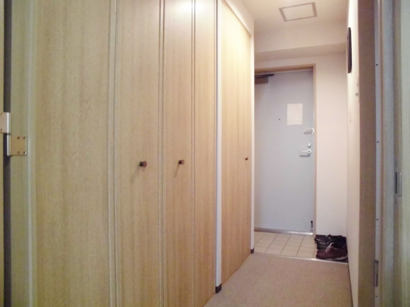 廊下収納部分・玄関