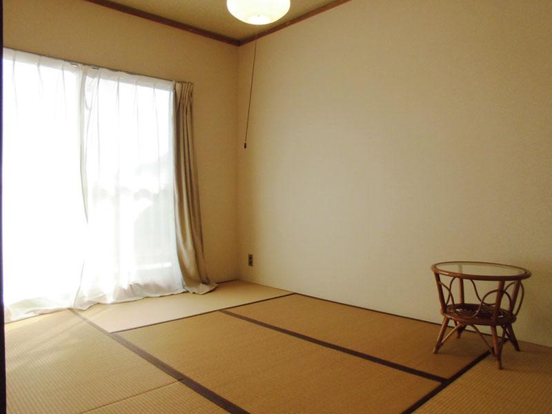 リビング隣の和室