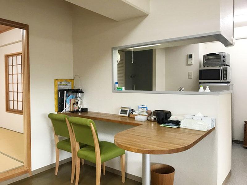 キッチンは対面・カウンター付き
