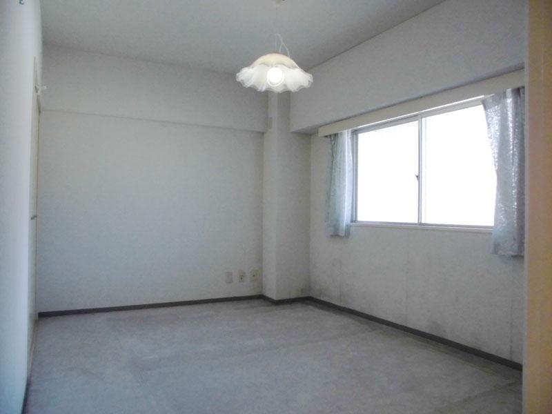 収納付き 北側の洋室