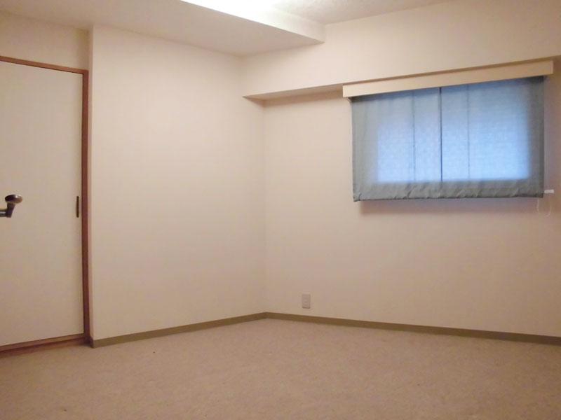 約6.5畳のサービスルーム