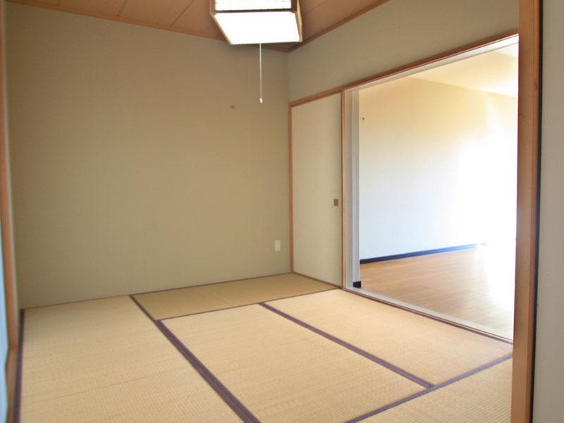 天袋収納付きの和室