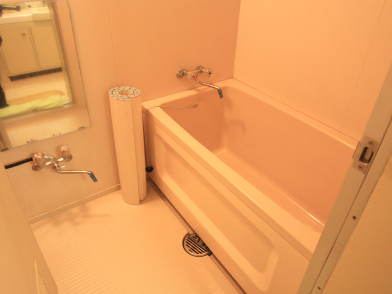 温泉引込の浴室