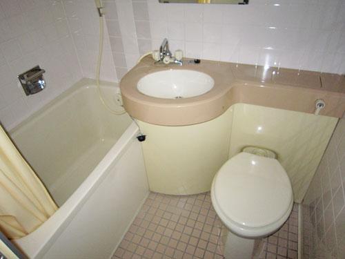ユニットバス〈浴槽・洗面台・トイレ〉