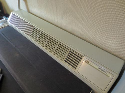 備付冷暖房機