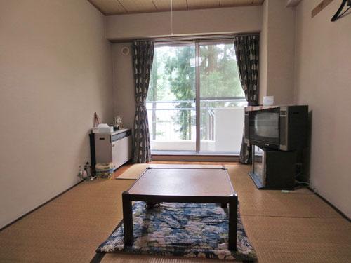 和室(玄関側から撮影)