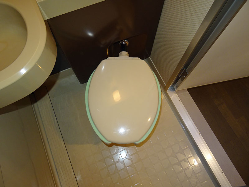 ユニットバス内トイレ