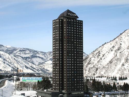 ヴィクトリア・タワー湯沢外観